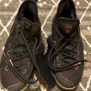 Jordan Shoes - Jordan's For Basketball Boys Size 5